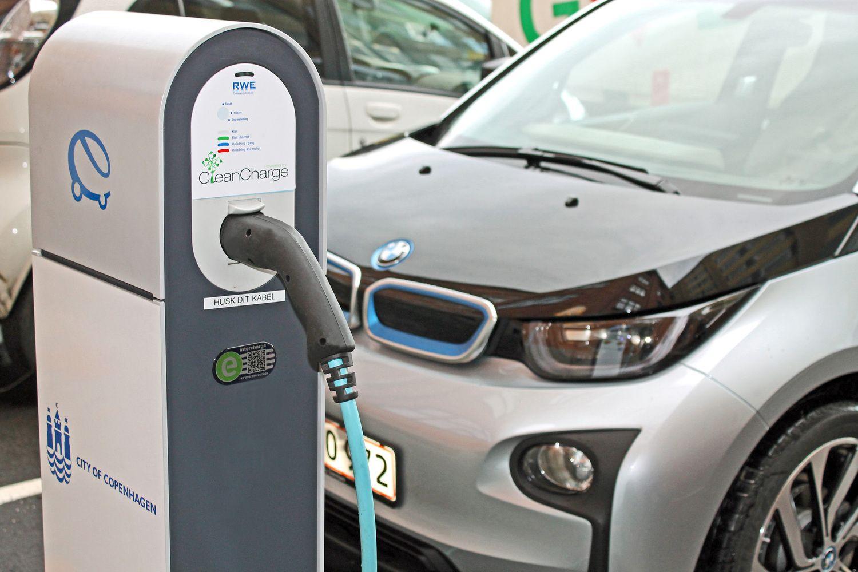 BMW palauks penktosios elektromobilių kartos