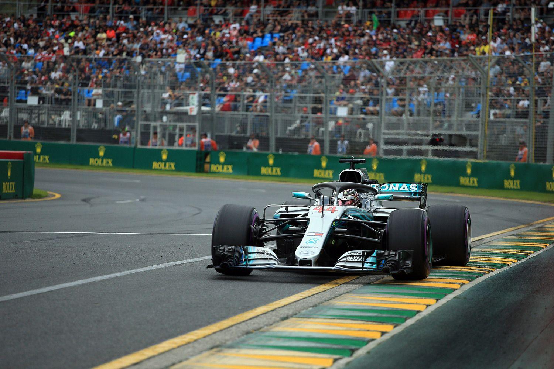 Raguotos formulės pradeda sezoną, Hamiltonas startuos pirmas