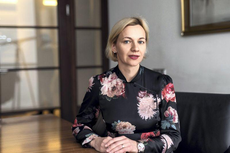 """Rūta Didikė, advokatų kontoros """"Magnusson"""" advokatė, kurianti tinklalapį www.darboteisėkitaip.lt, sako, kad visose darbdavio ir darbuotojo santykių stadijose svarbiausias yra skaidrumo, elementas. Ryčio Galadausko nuotr."""