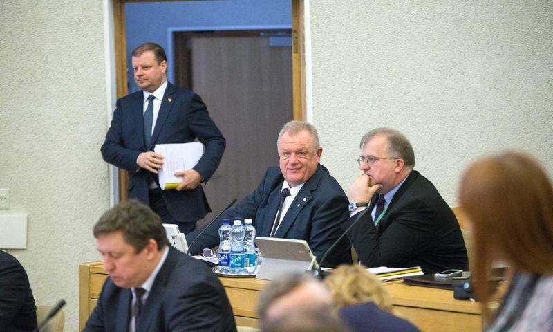 Premjero Sauliaus Skvernelio Vyriausybės posėdyje pateiktas programinių planų esminis pakoregavimas kabineto narių patvirtintas be diskusijų. Vladimiro Ivanovo (VŽ) nuotr.