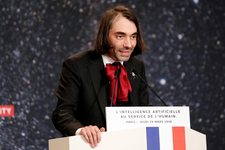 Prancūzijos politikai atsiduoda į matematikos genijaus Cedrico Villani rankas