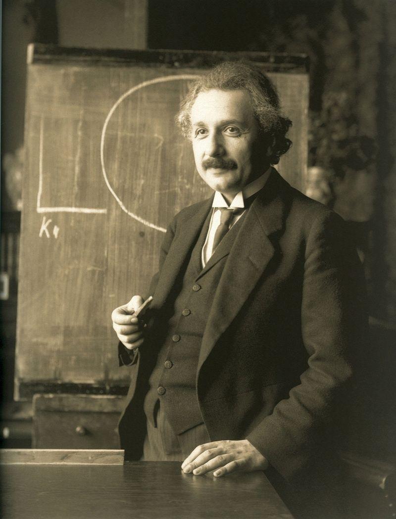 """Albertas Einsteinas sakė, kad nelabai išmintinga nuolat kartoti savo veiksmus ir tikėtis padėties pagerėjimo. """"Vikipedijos"""" nuotr."""
