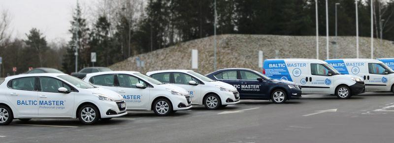 """""""Baltic Master"""" serviso tarnyba– viena didžiausių Baltijos šalyse: kasdien visą parą veikia padaliniai 5 didžiausiuose Lietuvos miestuose, kur 48 serviso ekipažai prižiūri daugiau kaip 250 objektų."""