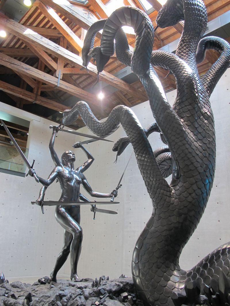 Damienas Hirstas Venecijos rūmuose rodė beveik 200 įvairaus dydžio skulptūrų ir objektų. Aistės Paulinos Virbickaitės nuotr.