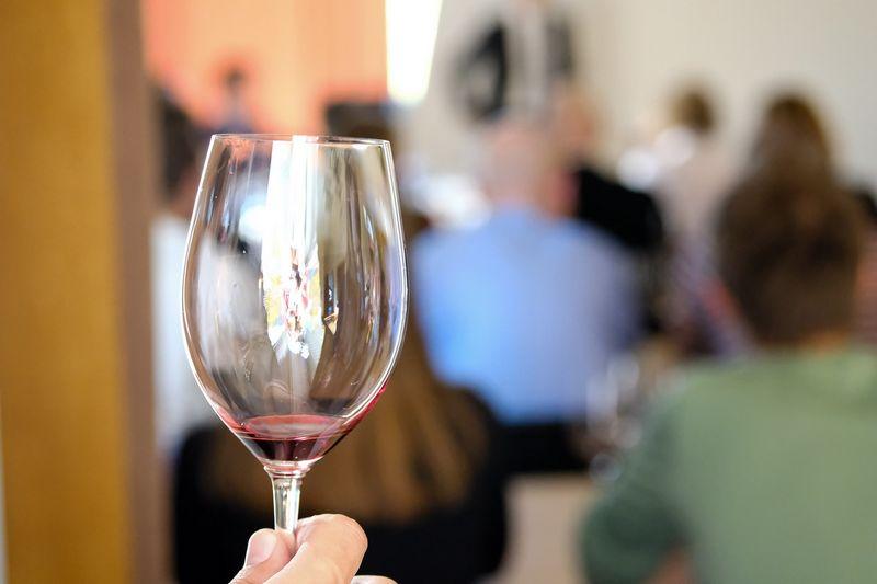 """""""Jei jau vartojate alkoholį, tai bent vartokite jo mažiau"""", - sako mokslininkai. Vladimiro Ivanovo (VŽ) nuotr."""