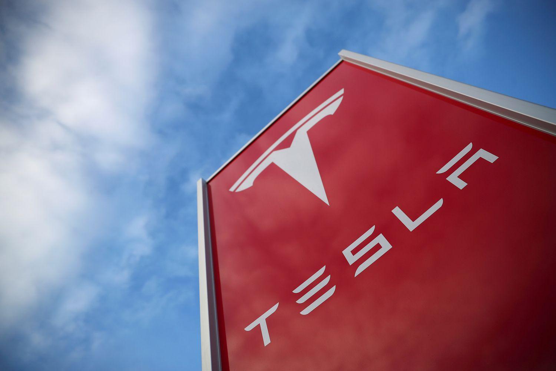 """Kaip """"Tesla"""" atsirenka darbuotojus"""