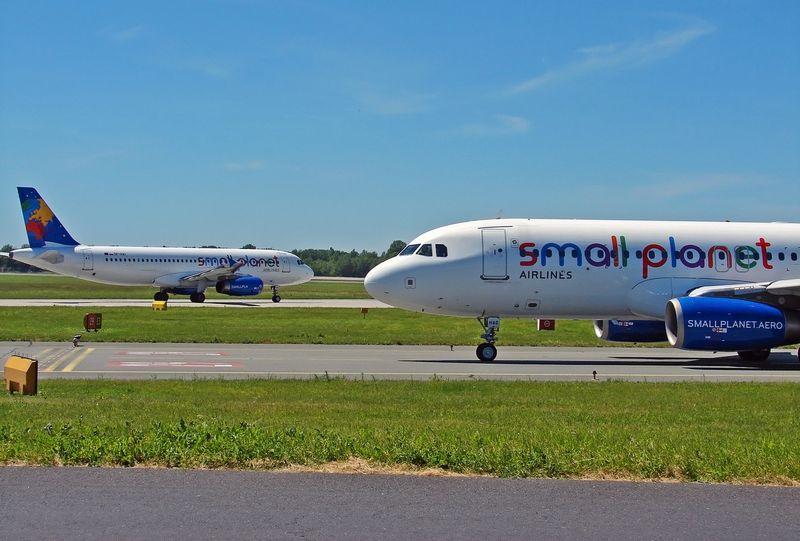 """Lietuviško kapitalo Lenkijos įmonė """"Small Planet Airlines"""" tapo pastarosios šalies užsakomųjų skrydžių lydere. Įmonės nuotr."""