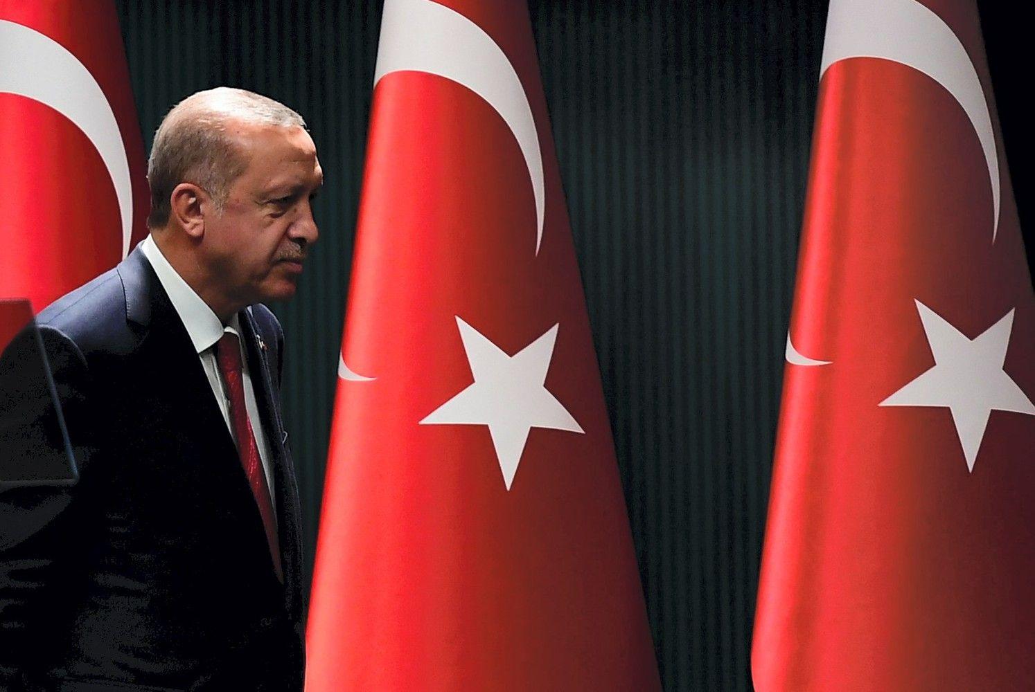 Turkijoje – netikėti pirmalaikiai rinkimai