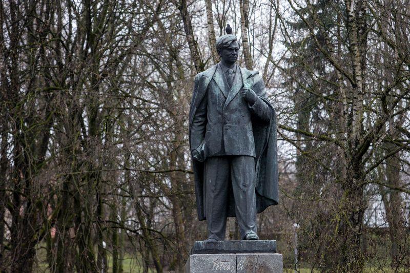 Petro Cvirkos paminklas Vilniuje. Juditos Grigelytės (VŽ) nuotr.