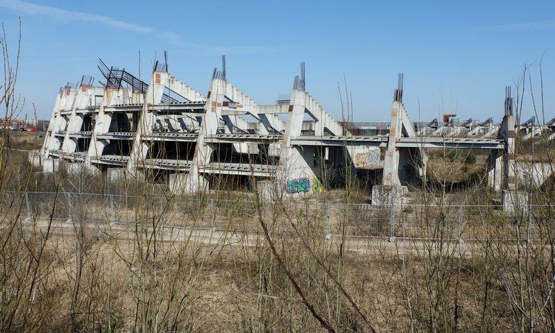 Nebaigtas statyti Nacionalinis stadionas Šeškinės mikrorajone. Juditos Grigelytės (VŽ) nuotr.