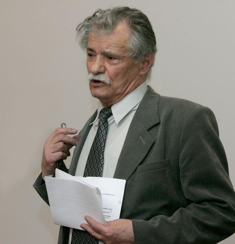 Poetas Mykolas Karčiauskas (1939–2018). Martyno Vidzbelio (15min.lt) nuotr.