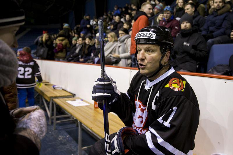"""D. Kasparaitis bus vyriausias Lietuvos rinktinės žaidėjas, nors komandai oficialiose varžybose atstovaus pirmą kartą. """"Scanpix"""" nuotr."""