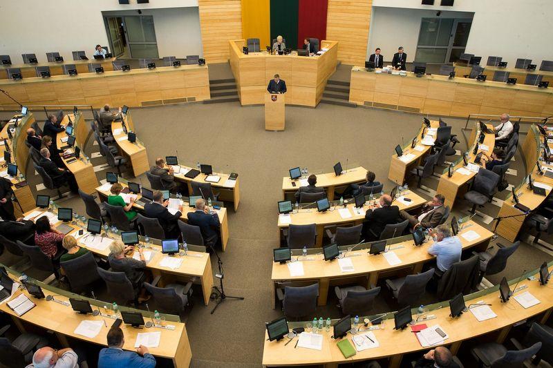 Seime bus surengtos dvi diskusijos - dėl Vyriausybės metinės ataskaitos ir dėl Vyriausybės pasiūlymų dėl mokesčių reformos. Vladimiro Ivanovo (VŽ) nuotr.