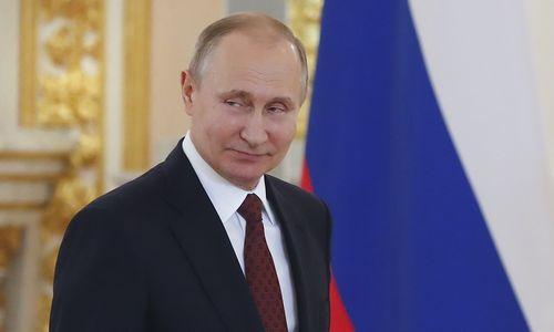 Kremlius planuoja į ekonomiką įlieti 10 trilijonų rublių