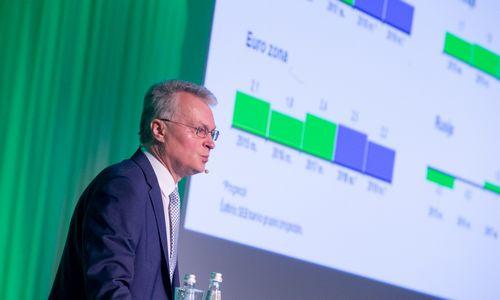 Nausėda: po reformos vidutinis darbo užmokestis popieriuje pasieks 1.200 Eur