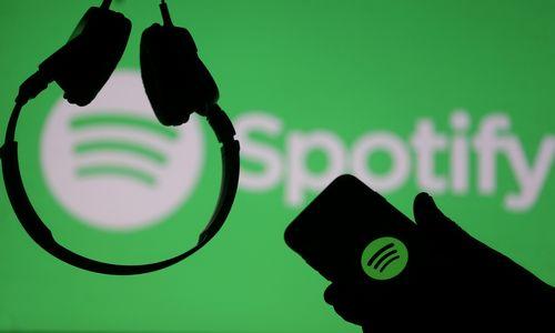 """""""Spotify"""" ir kiti pirmą kartą aplenkė kompaktinius diskus"""