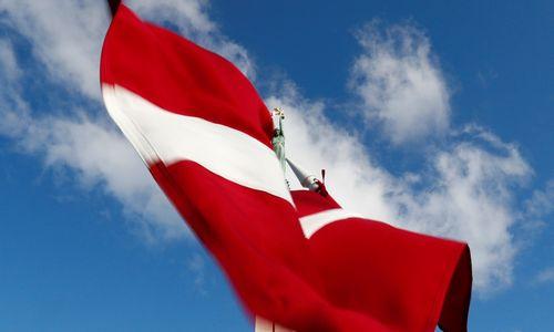 Latvija išsižada svajonės tapti tiltu tarp Rytų ir Vakarų