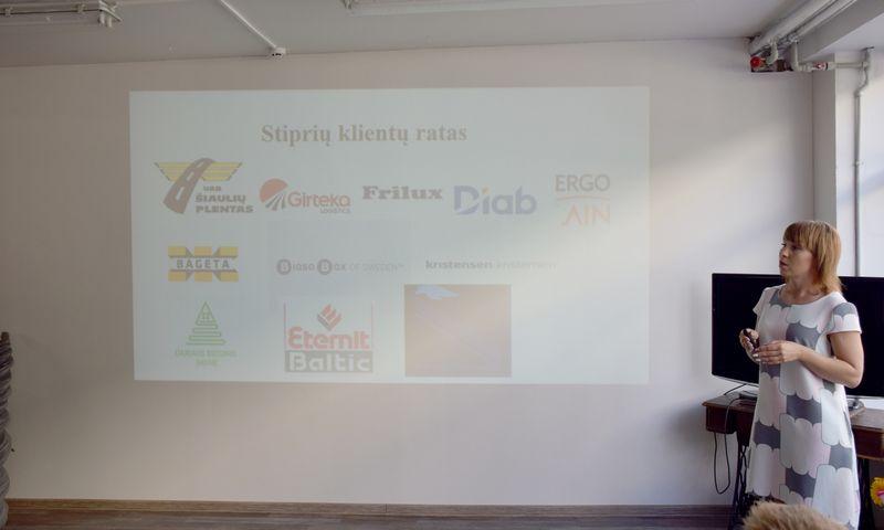 """Jolanta Šlaustienė, UAB """"Jolma"""" direktorė: """"Naujas darbuotojas automatiškai pritrauks naujų klientų, vadinasi, reikės daugiau prekių sandėlyje, tam reikia lėšų."""" Bendrovės nuotr."""