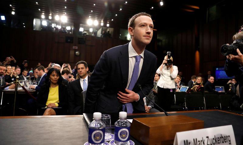 "Markas Zuckerbergas, ""Facebook"" įkūrėjas ir vadovas. Aarono P. Bernsteino (""Reuters""/""Scanpix"") nuotr."