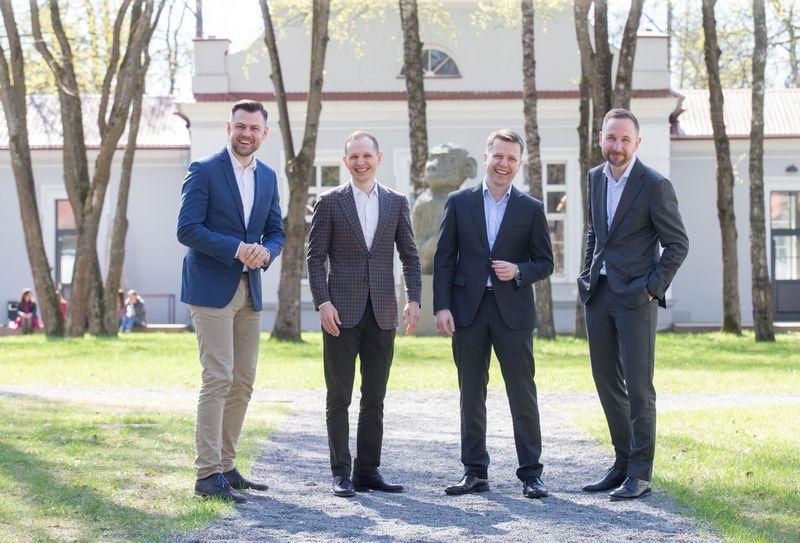"""UAB """"Practica Capital"""" komandos dalis (iš kairės): Arvydas Bložė, Donatas Keras, Tomas Andriuškevičius ir Silvestras Tamutis. Juditos Grigelytės (VŽ) nuotr."""