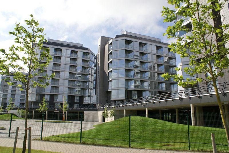 """Šventoji. Tuščias apartamentų kompleksas """"Elija"""". 2011 m. nuotrauka Algimanto Kalvaičio nuotr."""
