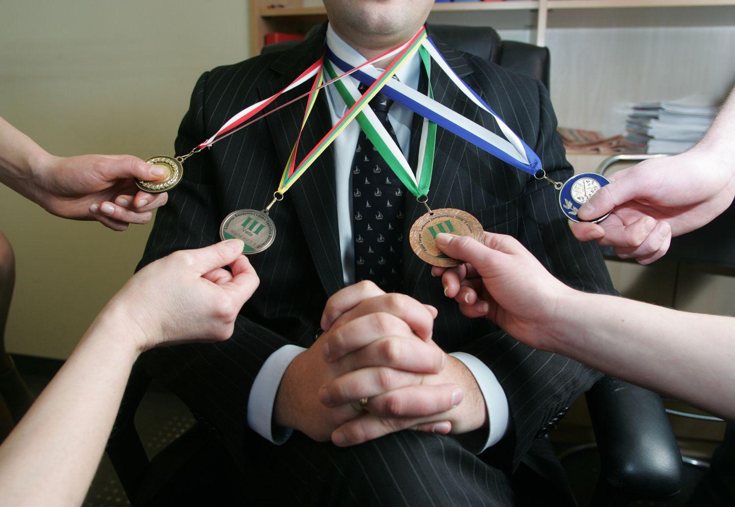 Advokatų kontorų reitingai pagal teisės sritis