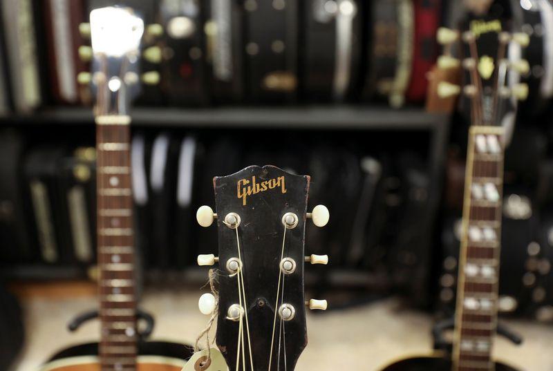 """""""Gibson"""" metinės pajamos per pastaruosius metus sumažėjo nuo 2,1 mlrd. USD geriausiais laikais iki 1,7 mlrd. USD pernai. Sergio Perezo (""""Reuters"""" / """"Scanpix"""") nuotr."""