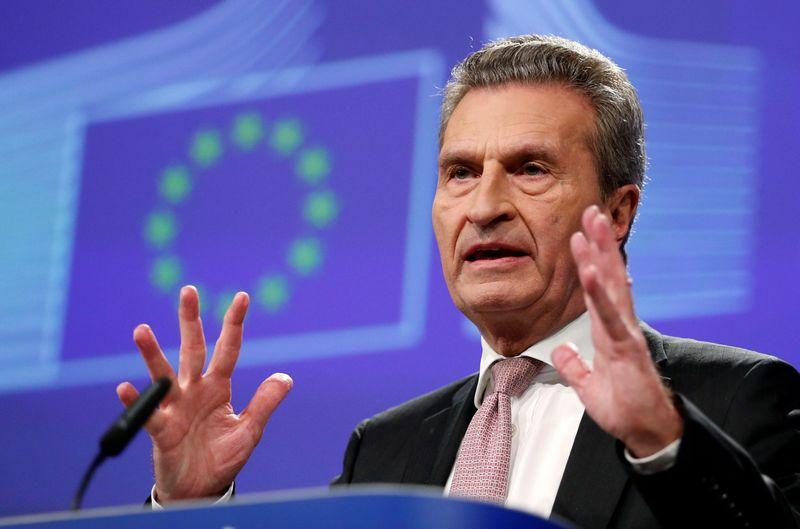 """Guntheris Oettingeris, už ES biudžetą atsakingas Europos Komisijos narys. Francois Lenoir (""""Reuters"""" / """"Scanpix"""") nuotr."""