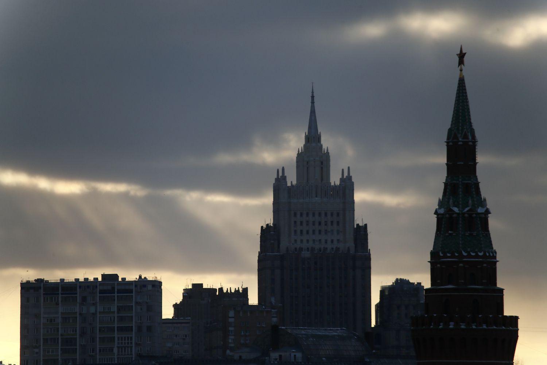 Rusijoje siūloma bausti verslą, besilaikantį prieš šalį nukreiptų sankcijų