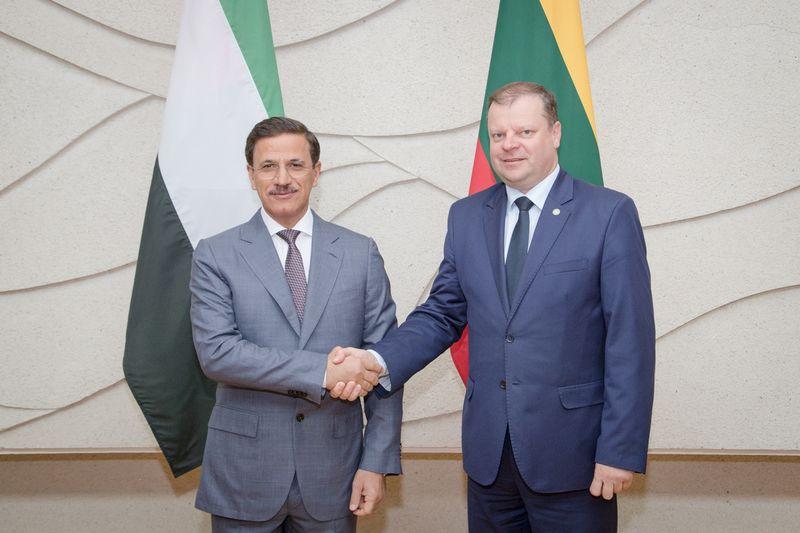 JAE ekonomikos ministras Sultanas Bin Saeedas Al Mansooris susitiko su prmejeru Sauliumi Skverneliu. Dariaus Janučio (LRVK) nuotr.
