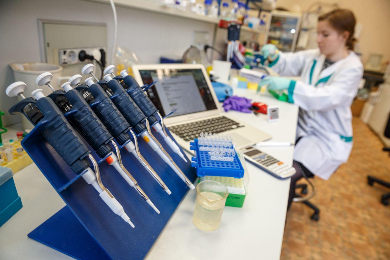 ŠMM siūlo 16% didinti mokslininkų atlyginimus