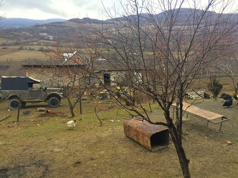 Tsikhisubani kaimas Gruzijoje, šalia administracinės linijos su Pietų Osetija. Jurgos Vilpišauskaitės nuotr.