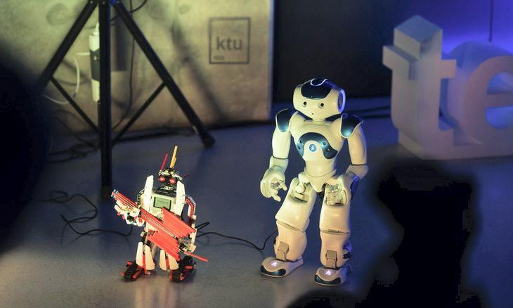Nuo Parkinsono ligos gydymo iki medžiagų 3D spausdintuvams – verslo įmonės įvertino ir apdovanojo jaunuosius išradėjus