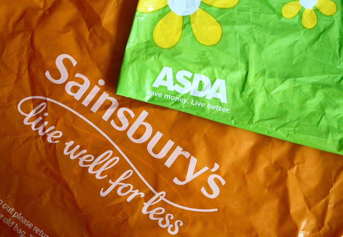 """Besijungiantiems """"Sainsbury's"""" ir """"Asda"""" gali tekti parduoti 73 parduotuves"""