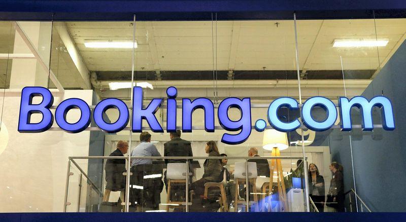 """""""Booking.com"""" Vilniuje turės didžiulį klientų aptarnavimo centrą. Fabrizio Bensch (""""Reuters"""") nuotr."""