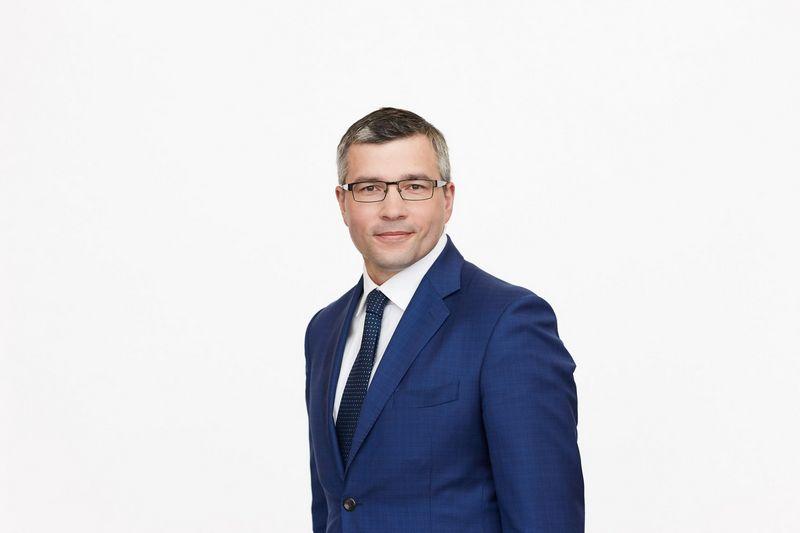 """Aivaras Kašuba iš """"FL Technics"""" Variklių pardavimo skyriaus vadovo posto pereina į """"Alwark"""" direktoriaus vietą. Įmonės nuotr."""