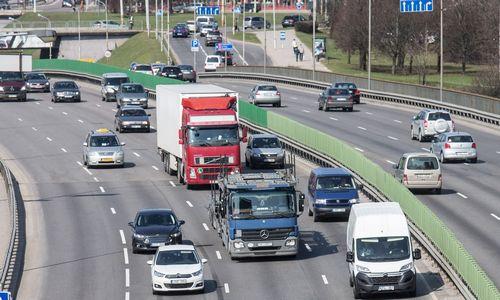 ES ir Lietuvai siekiant mažinti vilkikų taršą, vežėjai baiminasi pokyčių