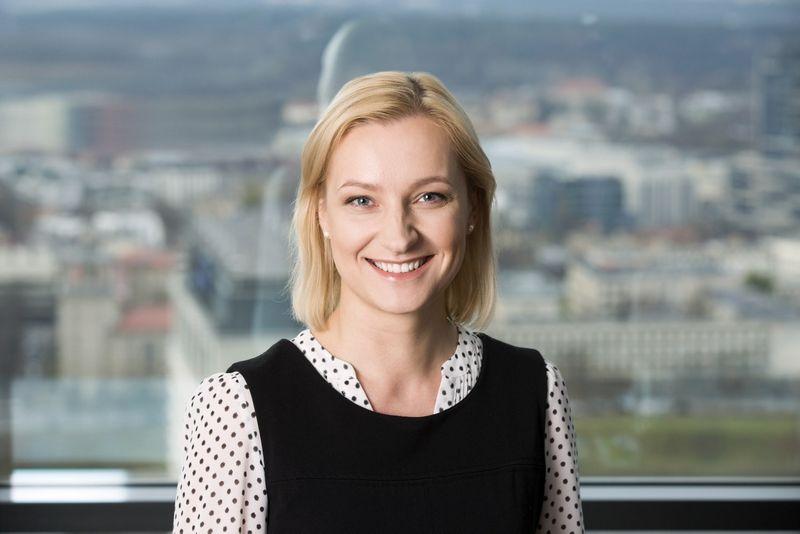 """Renata Jatužytė-Mulevičienė, teisininkų kontoros """"Magnusson"""" advokatė, pataria visų pirma išsigryninti įmonėse taikomus duomenų tvarkymo procesus ir įrankius, o tik tada spręsti, ką reikia keisti, tobulinti, o ko – atsisakyti. (Bendrovės nuotr.)"""