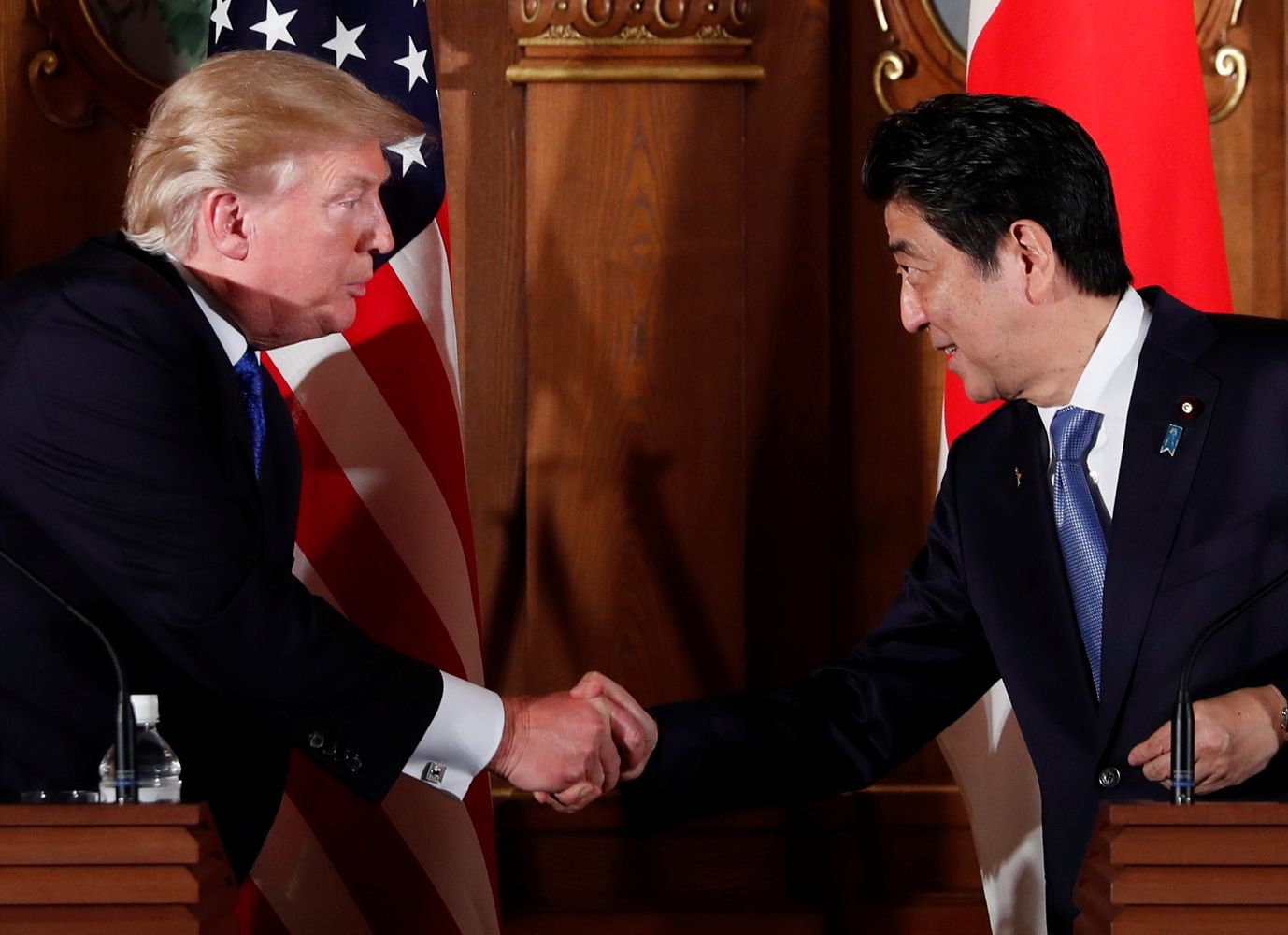 Japonija svarsto bausmę Trumpo muitams plienui ir aliuminiui
