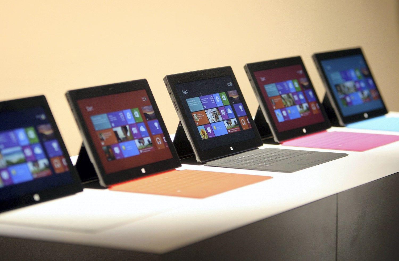 """""""Microsoft"""" ruošia pigesnę """"Surface"""" planšetę, nori konkuruoti su """"iPad"""""""