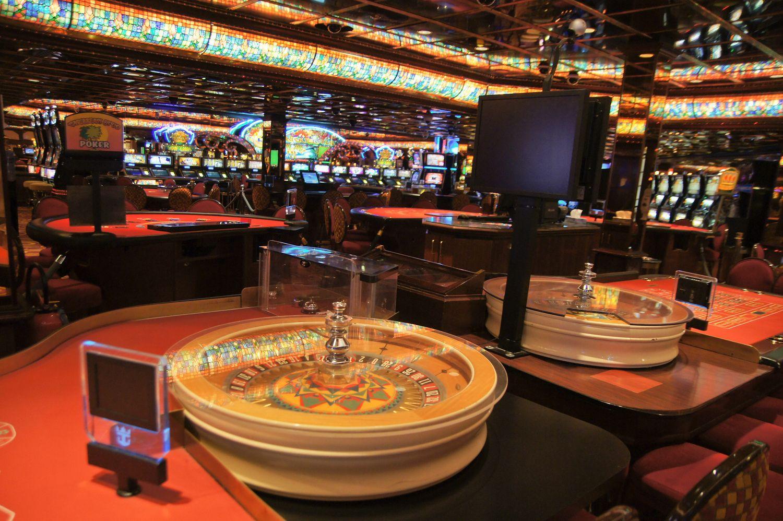 Seimas leidžiasi į diskusijas, ar uždrausti azartinių lošimų reklamą
