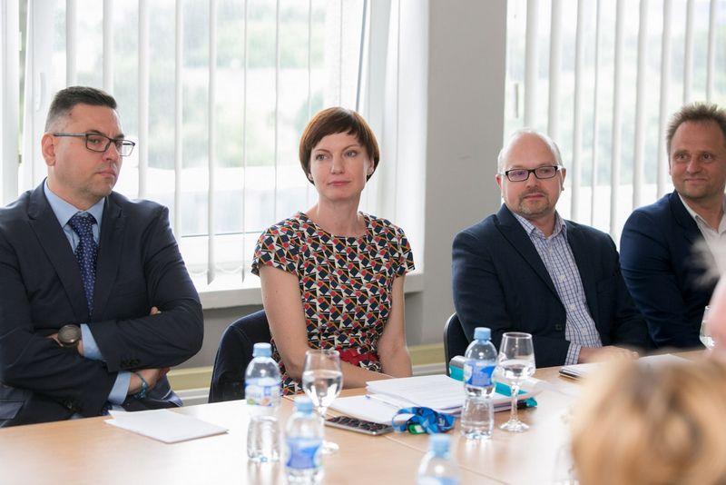 Viduryje: Monika Garbačiauskaitė-Budrienė, Gytis Oganauskas. Juliaus Kalinsko (15min.lt) nuotr.
