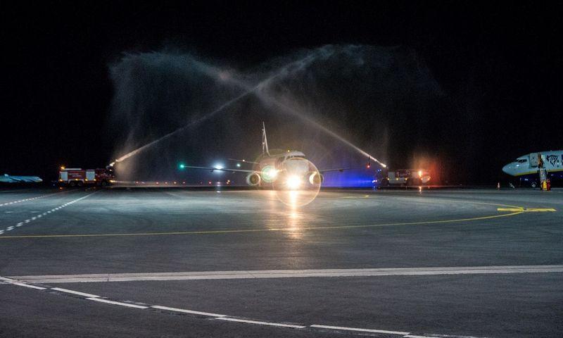 """Lenkijos skrydžių bendrovė """"LOT"""" pradėjo skrydžius iš Kauno į Varšuvą. Milvydo Mažono nuotr."""