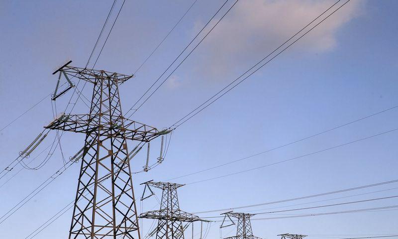 """Teigiama, kad nauja kenkėjiška programinė įranga gali taikytis į elektros tinklus ir pramonės objektus Ukrainoje. Valentyn Ogirenko (""""Scanpix""""/""""Reuters"""") nuotr."""