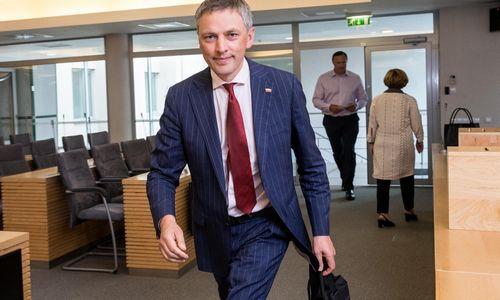 """Seimo komitetas apklausė du buvusius premjerus, tyrime figūruoja ir """"Vilniaus prekyba"""""""