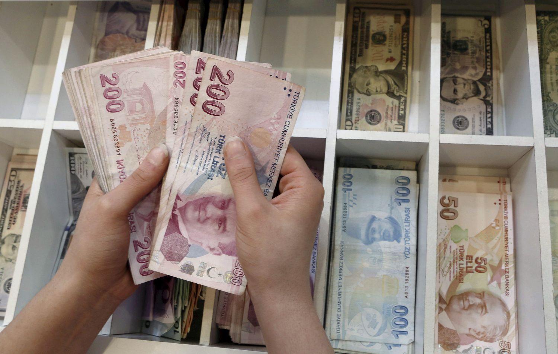 Turkijos lira rieda stačia nuokalne žemyn