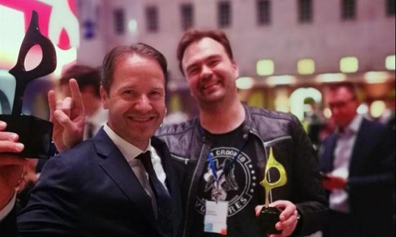 """Mykolas Katkus, """"Fabulos"""" valdybos pirmininkas ir Larsas Erikas Gronntunas, """"Hill+Knowlton Strategies"""" CEO ir valdybos pirmininkas. Agentūros nuotr."""
