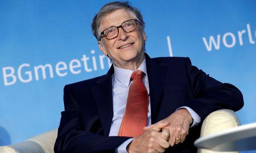Trumpas apsijuokė prieš Billą Gatesą: paklausė, kuo skiriasi ŽIV nuo ŽPV