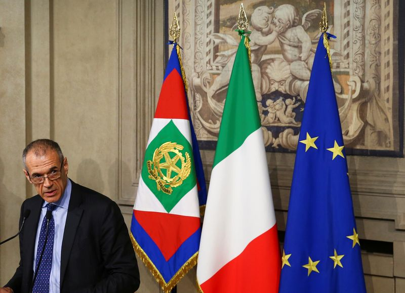 "Carlo Cottarelli, laikinasis Italijos premjeras.  Tony Gentile (""Reuters"" / ""Scanpix"") nuotr."