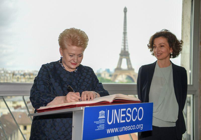 Prezidentė Dalia Grybauskaitė su UNESCO generaline direktore Audrey Azoulay. Roberto Dačkaus (LR Prezidentūros) nuotr.
